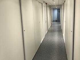Sol dans un couloir